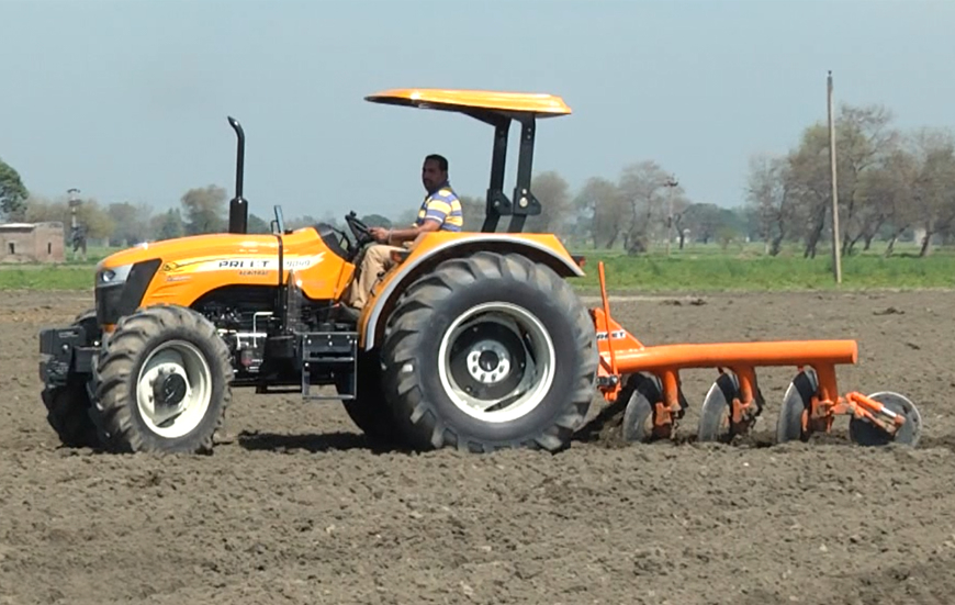 PREET 10049 - 4WD 100 HP Tractor :: Manufacturer and