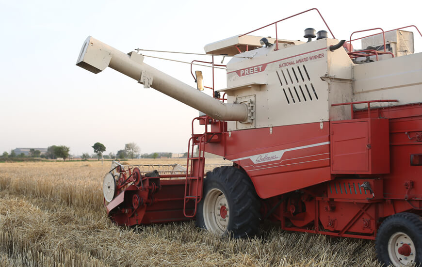 PREET 987 - Self Propelled Multicrop Combine Harvester